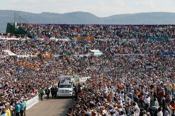 Pope Frnacis arriving in Tuxtla Gutiérrez