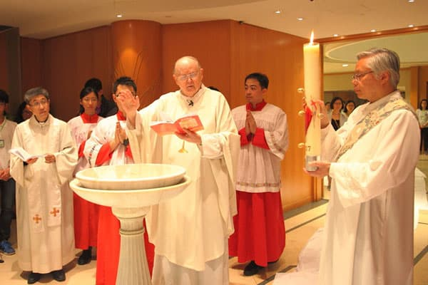 Evangelizing Among Skyscrapers in Hong Kong | Maryknoll Magazine