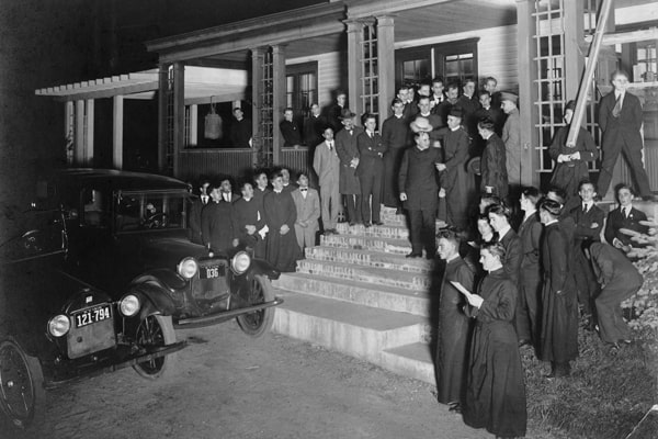 Father Price (center, standing on steps) leaves Maryknoll to lead the first group of Maryknoll missioners to share the Gospel in China in 1918. (Maryknoll Mission Archives)