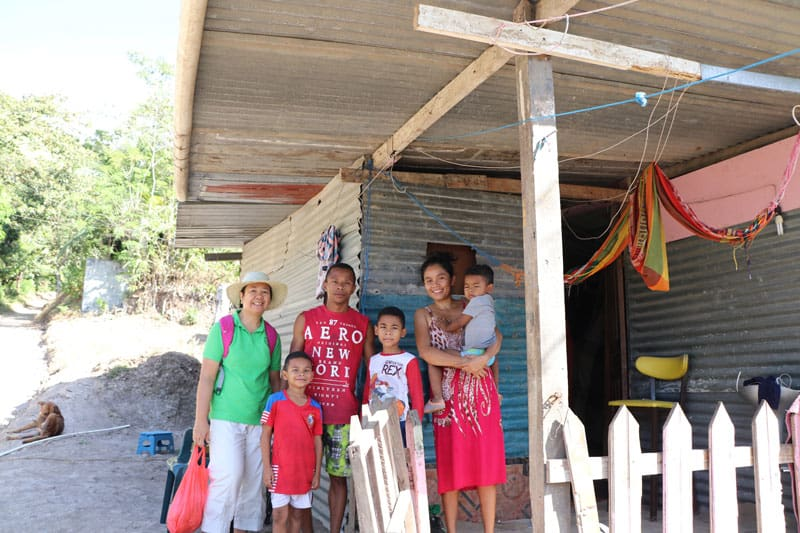 John González and Emliana Arroyo, recently received approval to build their cement house, for their three children to have a better life. (Maria-Pia Negro Chin/Panama)