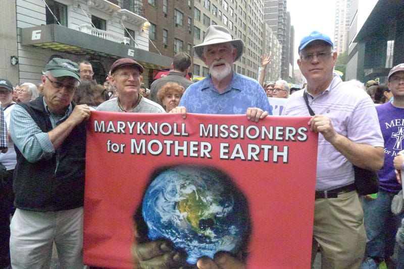 Father Henehan, along with other Maryknoll missionaries and hundreds of thousands of people participate in the March for Climate in New York City in 2014. (Giovana Soria / New York)